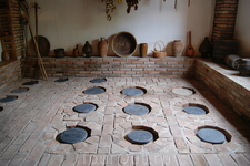 """""""Кувшинный погреб"""", здесь хранят вино."""