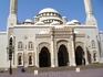 Мечеть Аль Нур - очень красивое здание, а самое главное, она открыта для туристов.