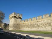 средневековые стены Авиньона