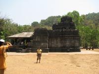 Храм Махадева - самый старый храм на территории Гоа.