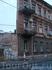 дом с одной стеной..самое интересное что там живут люди..)