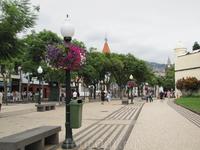 Пешеходная улочка Авенида Арриага в центре города