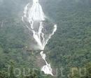 Молочный водопад Дудхсагар в Гоа