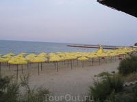 центральный пляж в конце рабочего дня
