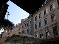 Отражением богатой истории города является и его прошлый и современный этнический состав. С момента основания Риги в XIII веке и до конца XVI века в городе ...