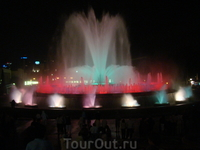 Представление фонтанов было сказочным, фотки не передают всей красочности, это надо видеть своими глазами =)