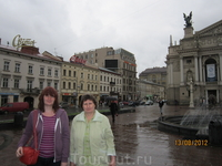 на улице Львова