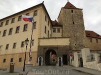 Черная башня и караул у восточных ворот Пражского Града