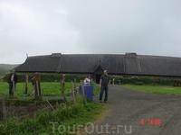 Реконструированный дом норвежского хёвдинга, Лекснес. Музей называется Луфутр (Lofotr)