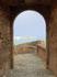Равелины и бастионы соединяются между собой узкими проходами, лестницами и мостиками.