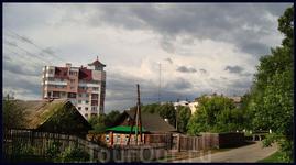 ул. Гайдара (слева ул. Учительская)