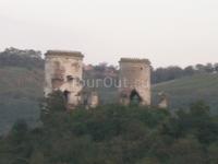 Червоноградский замок, вернее оставшиеся 2 башни