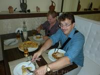 """В кафе """"Бриз"""" очень вкусные осетинские пироги и лагман с бараниной."""
