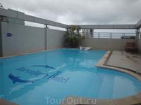 бассейн отеля Barselona