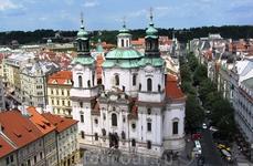 Красивейший собор св. Микулаша – одна из достопримечательностей Староместской площади