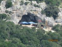 Пещера в заливе Lim