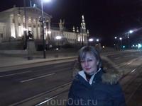 Парламент ночью...