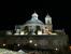 Ночь спустилась на город очень быстро и в какой-то момент я поняла, что мы находимся недалеко от собора San Fransisco El Grande и есть шанс попасть на вечернюю службу и увидеть его внутри.  Собор вече