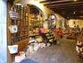 магазин сувениров на улице Carrer de la Forca (улица сильных), в котором работает наша соотечественница