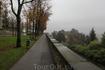 После лета на юге Италии 9 ноября здесь уже чувствуется глубокая осень. Листья уже во всю облетают, но еще тепло, около +15 градусов