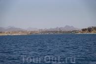 Море! Прекрасные виды открываются во время прогулки на яхте.