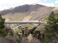 Мост над ущельем Джермука