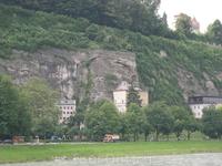 Не в каждом городе найдутся дома, построенные в скале. А в Зальцбурге есть!