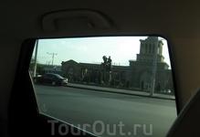 Ж-д вокзал Еревана через заднее боковое стекло CX-7