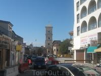Церковь Святого Лазаря П.С. Церковь 9 столетия,  сам Лазарь был возведен в сан епископа на Кипре. На кладбище возле церкви похоронены европейские дипломаты ...