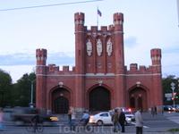 Общий вид Королевских ворот Калининграда.