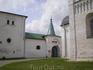Кремль – первоначальное ядро Суздаля, археологически существующее с X в., а по летописям – с 1024 г. На рубеже XI–XII вв. здесь была сооружена крепость ...