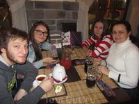 """В кафе """"Килт"""" на набережной р.Вологды."""