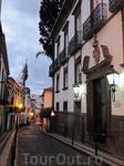 Безлюдные улочки вечернего города