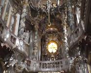 Эту церковь надо смотреть. Словами не описать и на фото не отразить. Азамкирхе.