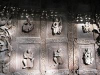 мандалай резьба в монастыре