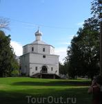 Новгородский храм