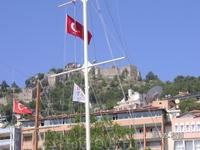 флаги на флагштоках (яхт-тур)