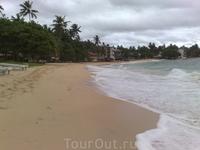 Пляж у нашего отеля
