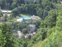 А это вид на наш отель и термальные источники с горы