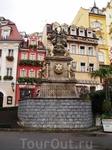 В самом центре города Карловы Вары (Чехия) стоит скульптурный памятник в стиле барокко - столб Пресвятой Троицы, построенный в 1716 г. иначе его называют ...