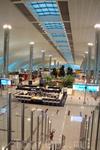 пока в аэропорту тихо - можно спокойно походить по его огромным территориями внимательно всё рассмотреть