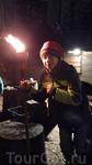 После обзорной экскурсии нас повезли в Волшебный лес. Темнело, моросило  слегка, черный ветвистый мокрый лес вызывал тревогу :) однако на полянке, куда ...