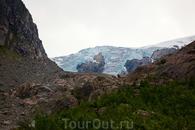Многолетний ледник в горах неподалеку от города Одда