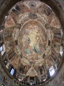 Купол церкви с изображением Обожествления Святого Антония расписывали два художника - Juan Carreño de Miranda y Francisco Rizi.