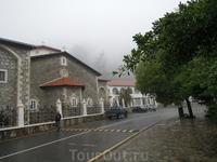 Май 2012 - Кикос, дорога периметра монастыря