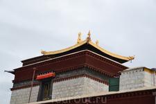 Строительство Самье представляло собой первую попытку буддизма пустить корни в стране, находившейся тогда под властью бонцев. Разумеется, многие члены ...
