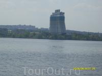 Вид на город с левого берега Днепра.