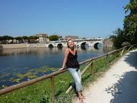 Жаркое, но такое ласковое итальянское солнышко.. Римини, мост Тиберия, парковая зона.. уточки..