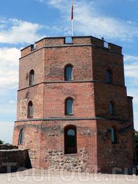 Замковая гора с башней Гедимина