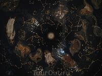 По нему можно читать движения звезд и узнать, насколько изменился рисунок звездного неба с того времени...